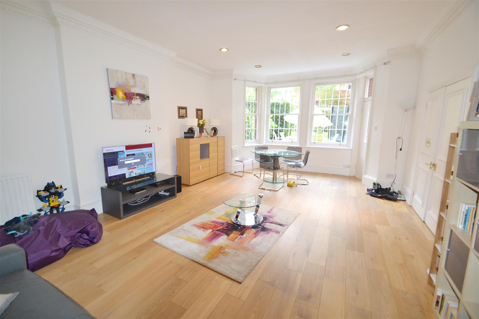 3 Bedrooms Property for sale in Frognal, Hampstead, London